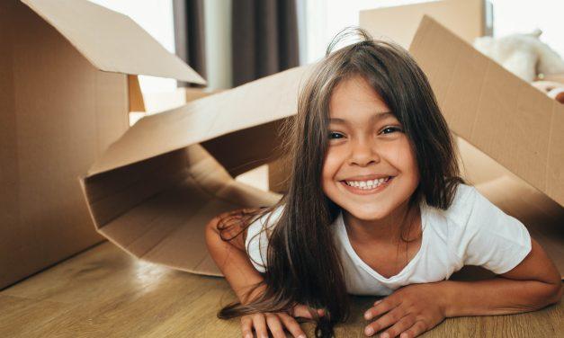 Crianças: 4 dicas de brincadeiras para se fazer em casa